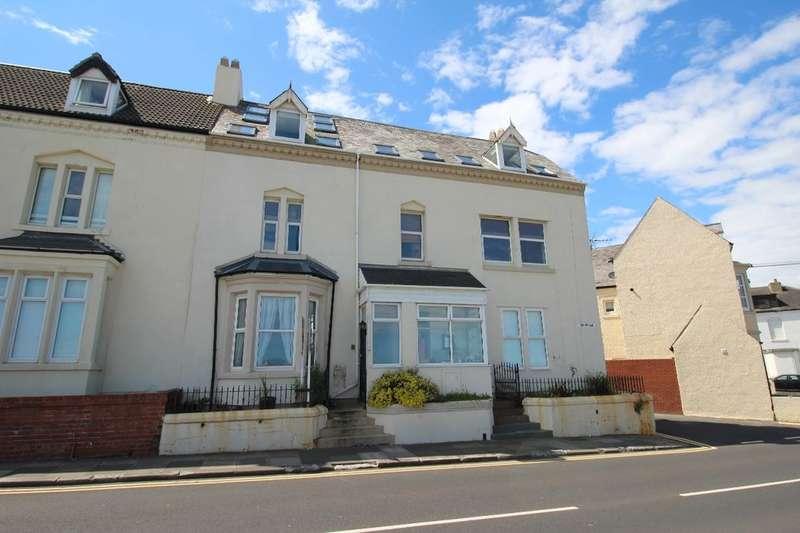 3 Bedrooms Flat for sale in Promenade, Whitley Bay, NE26
