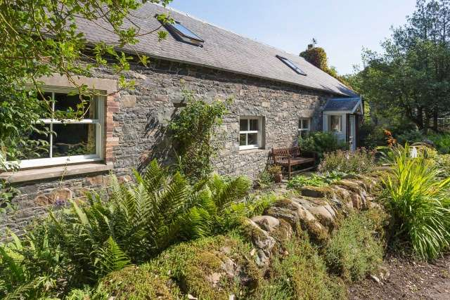 3 Bedrooms Cottage House for sale in Ashiestiel, Clovenfords, Galashiels, Borders, TD1 3LJ