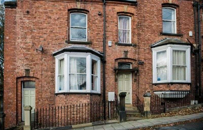 8 Bedrooms Terraced House for sale in Ravensworth Terrace