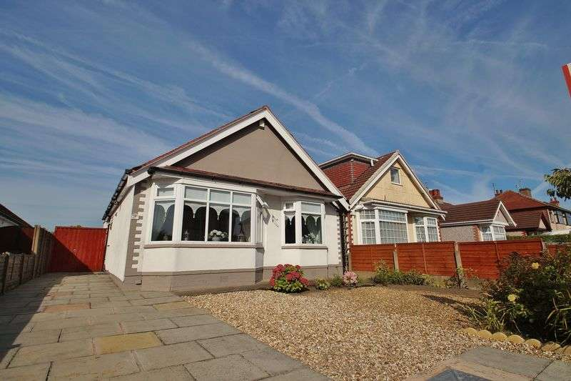 3 Bedrooms Detached Bungalow for sale in Glamis Drive