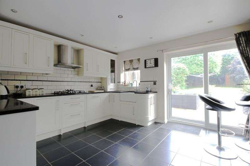 4 Bedrooms Detached House for sale in CHESTER AVENUE, ALLESTREE