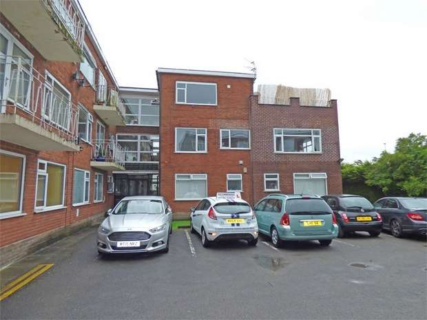 1 Bedroom Flat for sale in Dovehouse Close, Whitefield, Manchester, Lancashire