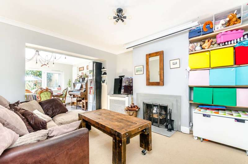 3 Bedrooms House for sale in Wricklemarsh Road, Blackheath, SE3