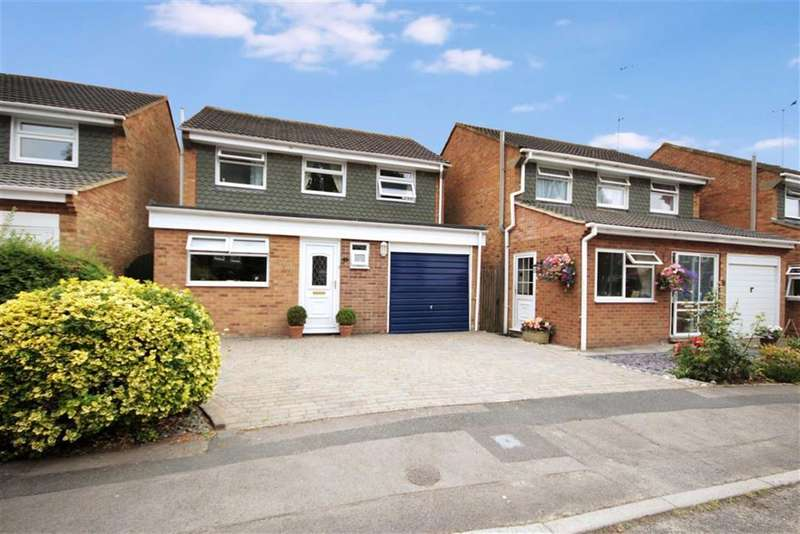 3 Bedrooms Property for sale in Wroughton, Wiltshire