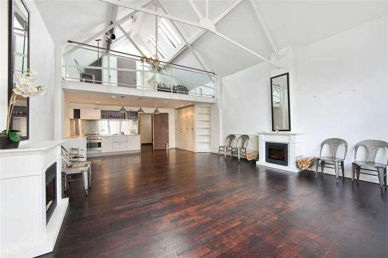 2 Bedrooms Apartment Flat for sale in Hoffman Square N1