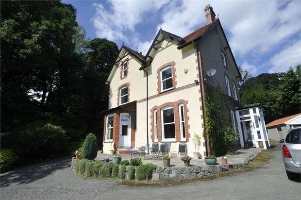 6 Bedrooms Detached House for sale in Llechwedd, Llechwedd, Conwy