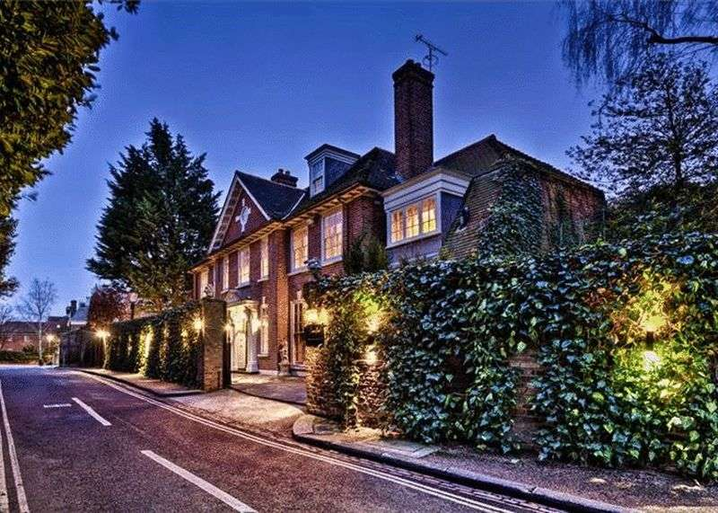 7 Bedrooms Detached House for sale in Upper Terrace, London