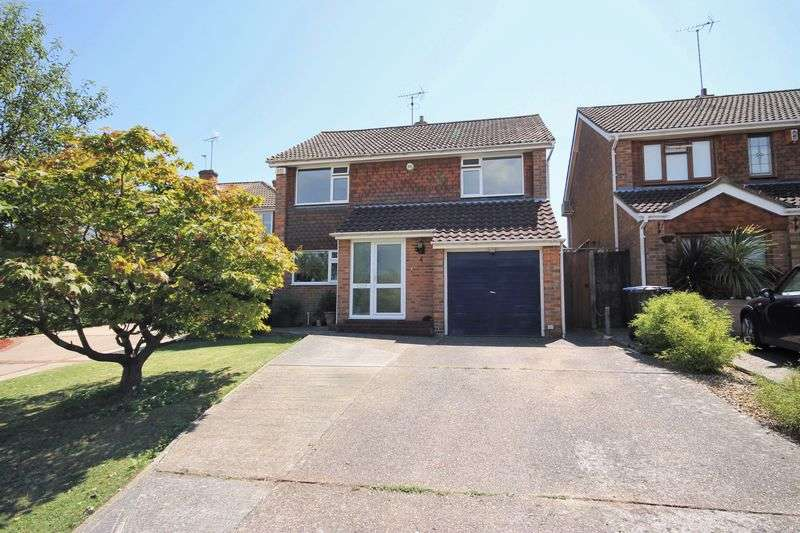 4 Bedrooms Detached House for sale in Millbank, Burgess Hill, West Sussex