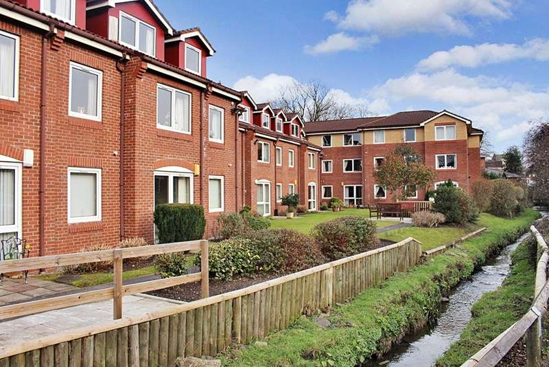 1 Bedroom Retirement Property for sale in Willow Court, Gatley, SK8 4BG