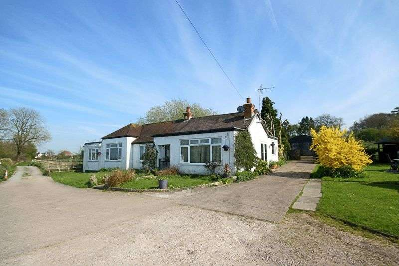3 Bedrooms Detached Bungalow for sale in Green Lane, Eccleshall, Stafford