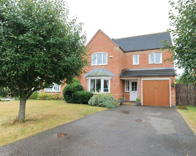 4 Bedrooms Detached House for sale in Waltham Drive, Bedford