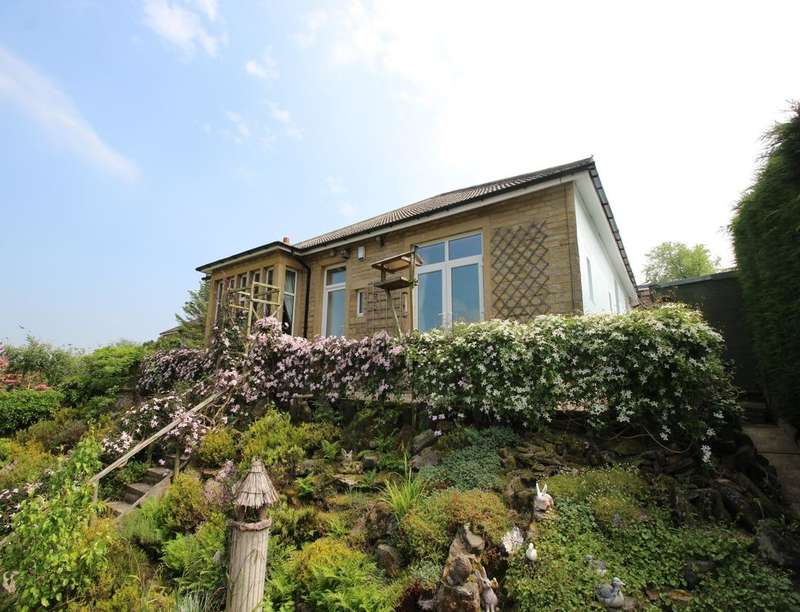 3 Bedrooms Detached Bungalow for sale in Dale View Spring Avenue, Keighley, BD21