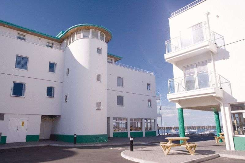 2 Bedrooms Flat for sale in Holyhead Marina, Anglesey