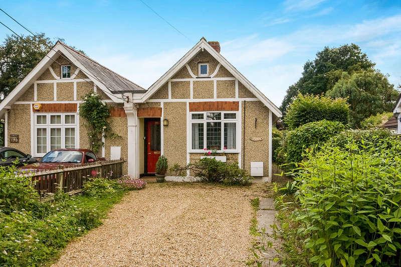 2 Bedrooms Semi Detached Bungalow for sale in Pack Lane, Basingstoke, RG22
