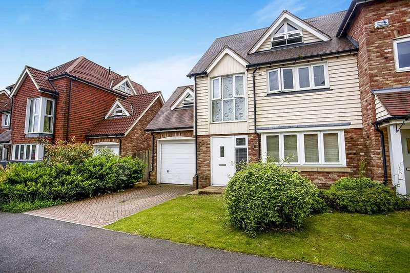 4 Bedrooms Semi Detached House for sale in Corbett Road, Hawkinge, Folkestone, CT18