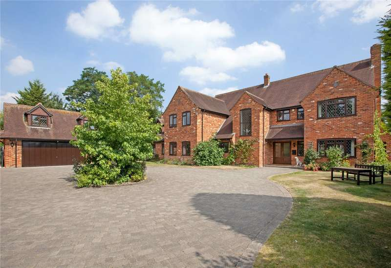 5 Bedrooms Detached House for sale in Bentley Park, Burnham, Buckinghamshire, SL1