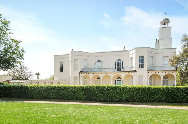 3 Bedrooms Apartment Flat for sale in Hotham Park, High Street, Bognor Regis, West Sussex, PO21