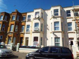 2 Bedrooms Flat for sale in Sweyn Road, Cliftonville, Margate, Kent