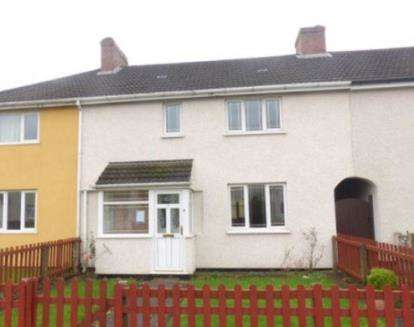 House for sale in First Avenue, Walsall, West Midlands