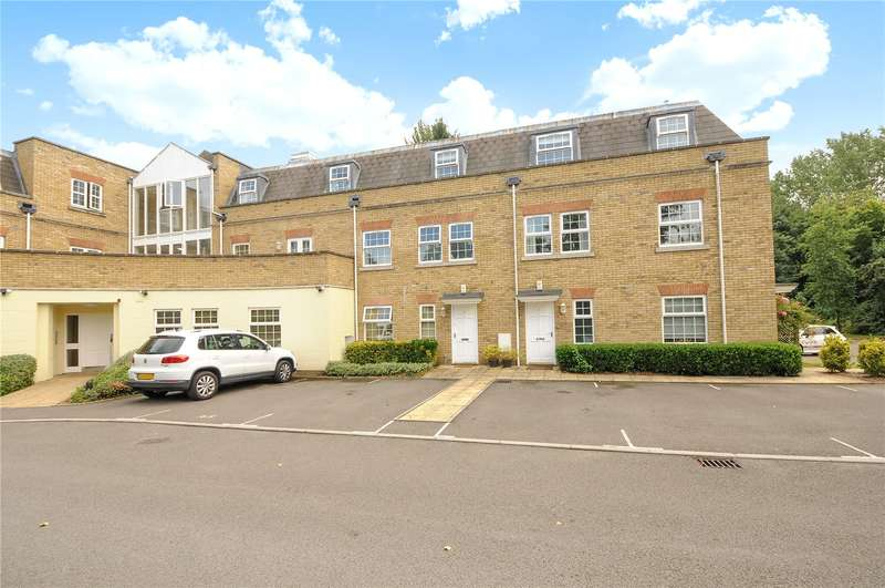 3 Bedrooms Apartment Flat for sale in Wellington Lodge, North Street, Winkfield, Windsor, SL4