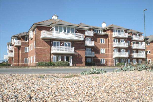 3 Bedrooms Apartment Flat for sale in Strand Court, Harsfold Road, Rustington, West Sussex, BN16