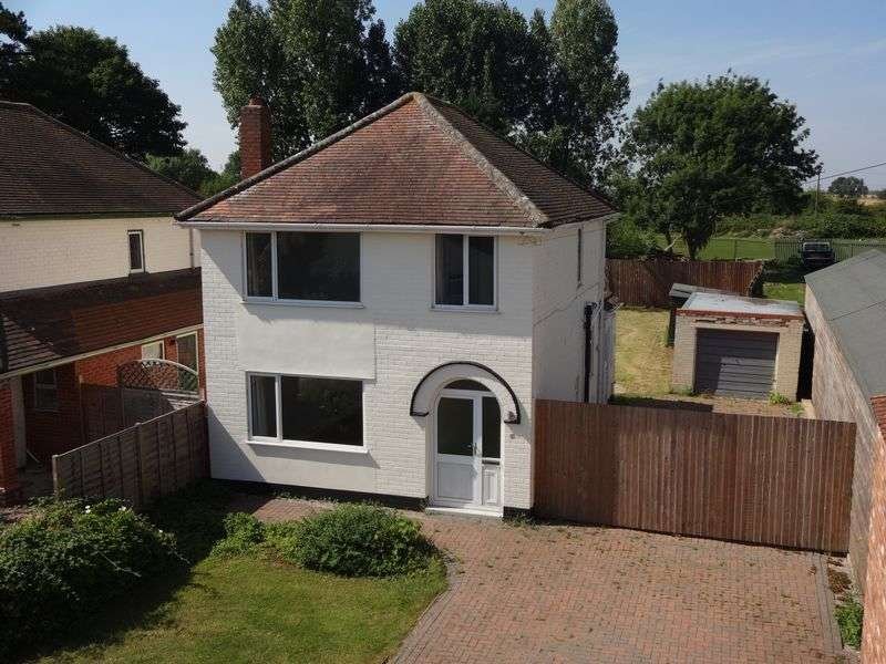 3 Bedrooms Detached House for sale in Main Road, Little Hale