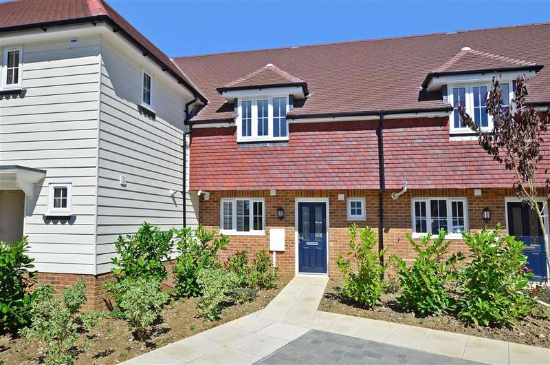 3 Bedrooms Terraced House for sale in Bakers Yard, Harrietsham, Maidstone, Kent