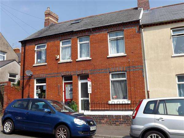 3 Bedrooms Terraced House for sale in Bruce Street, Cardiff