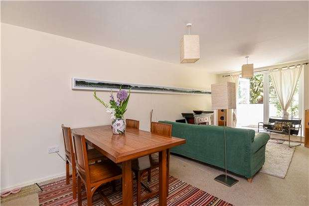3 Bedrooms Flat for sale in Morrish Road, LONDON, SW2