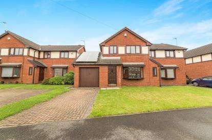 3 Bedrooms Semi Detached House for sale in Chilham Road, Worsley, Manchester, Greater Manchester