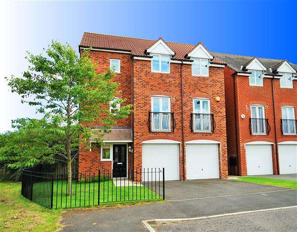 4 Bedrooms Detached House for sale in Edgefield, Northumberland Park, Newcastle upon tyne