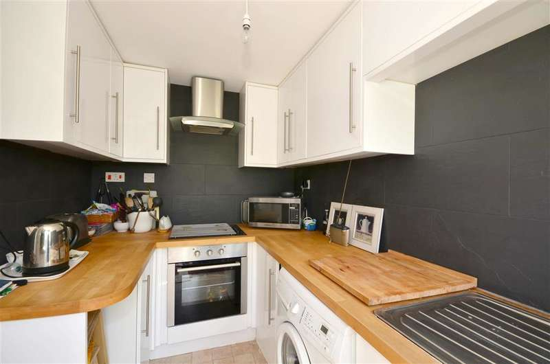 2 Bedrooms Terraced House for sale in Bathurst Road, Staplehurst, Kent, Kent
