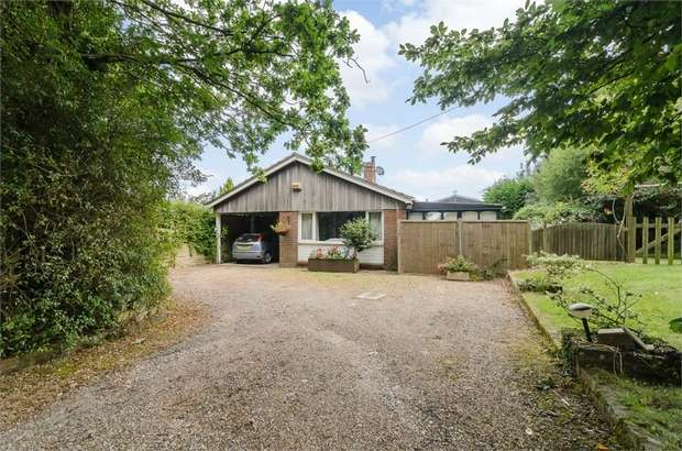 3 Bedrooms Detached Bungalow for sale in St Georges Road, Redhill, Surrey