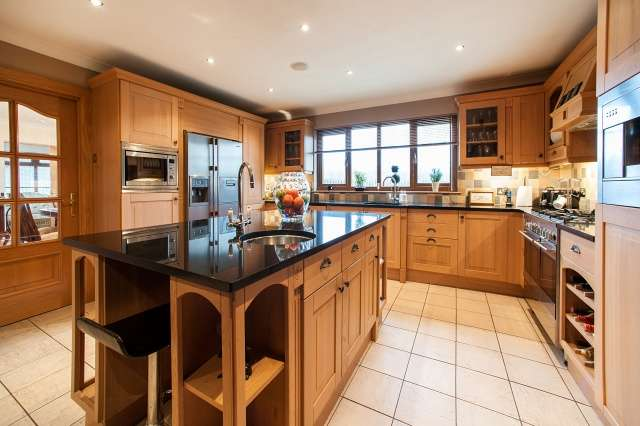 5 Bedrooms Detached House for sale in Woodlands View, Stonehouse, Larkhall, South Lanarkshire, ML9 3QG