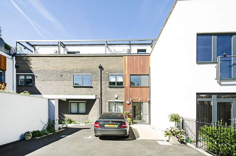 1 Bedroom Flat for sale in Madoc Close, Cricklewood, NW2