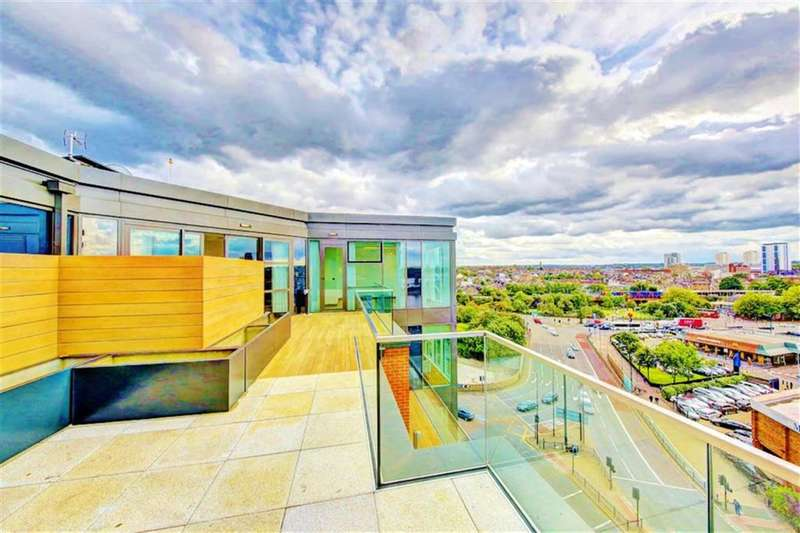 3 Bedrooms Property for sale in The Quarter Penthouses, Battersea Reach, London