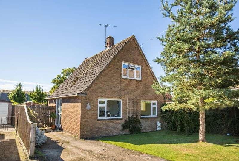 3 Bedrooms Detached House for sale in Devizes, Wiltshire, SN10 3EB