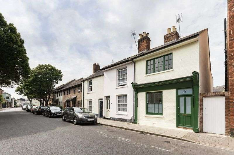 2 Bedrooms Terraced House for sale in Eldon Street, Southsea