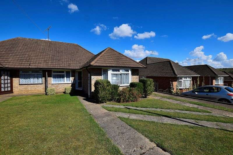 3 Bedrooms Semi Detached Bungalow for sale in Ridgeway Avenue,East Dunstable