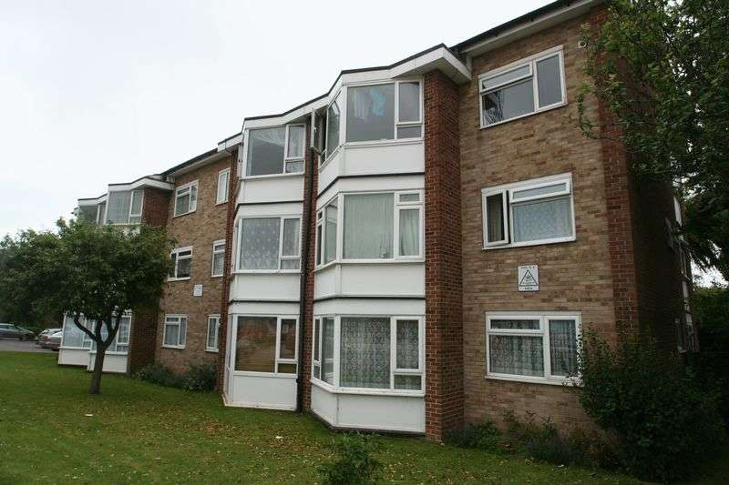 2 Bedrooms Flat for sale in Durrington Gardens, The Causeway