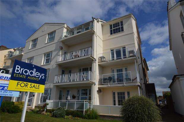 2 Bedrooms Flat for sale in Louisa Terrace, Exmouth, Devon