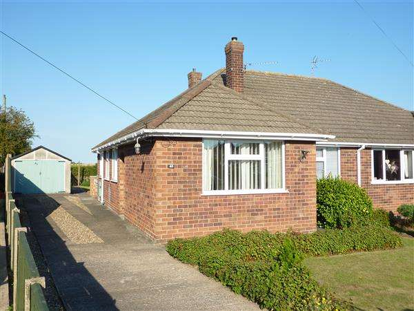 3 Bedrooms Semi Detached Bungalow for sale in KENSINGTON PLACE, SCARTHO, GRIMSBY