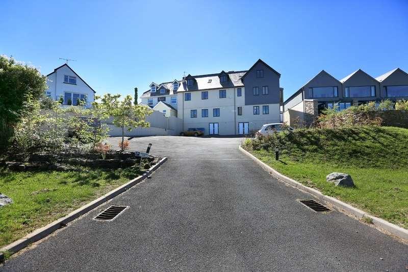 2 Bedrooms Flat for sale in Yelverton, Devon