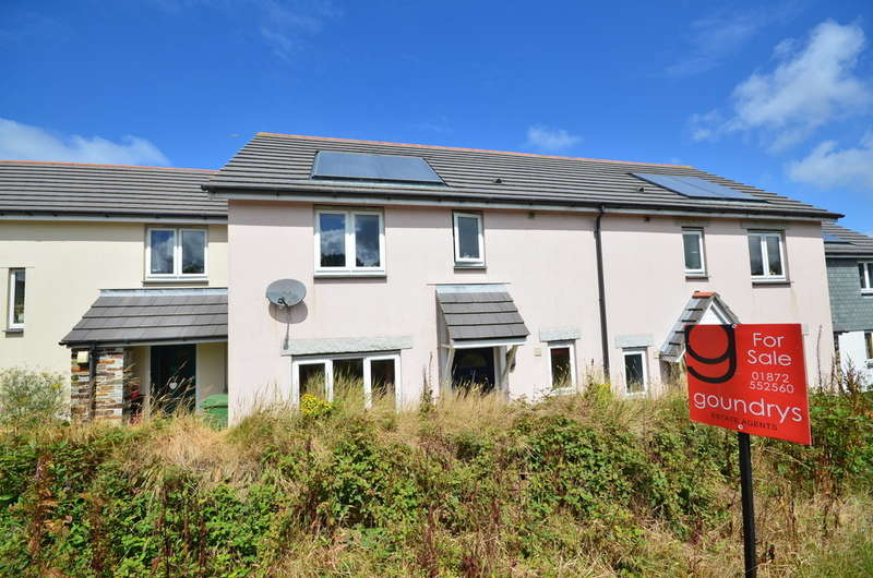 3 Bedrooms Terraced House for sale in Beacon View, Mount Hawke, Cornwall