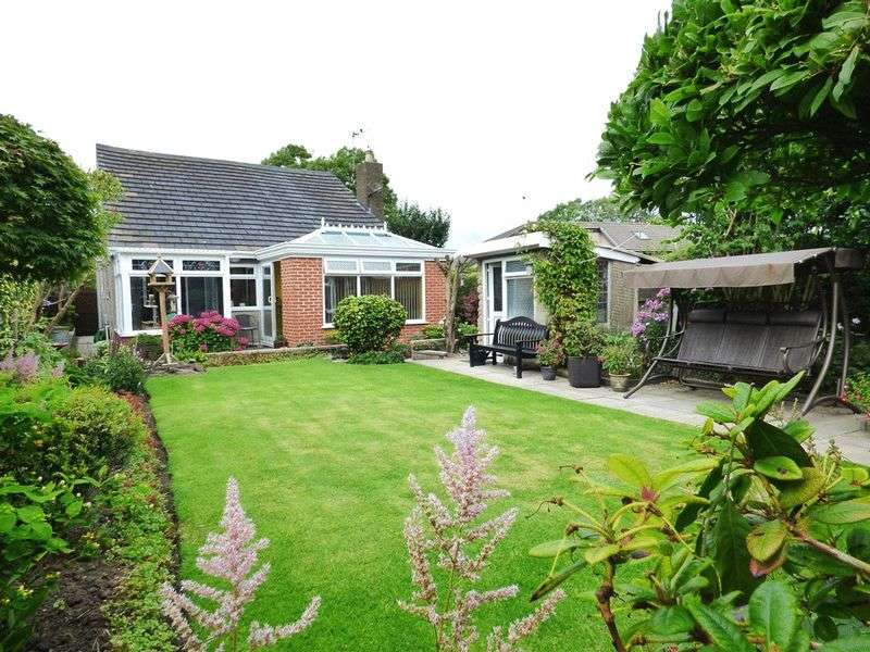 2 Bedrooms Detached Bungalow for sale in Back Street, Overton