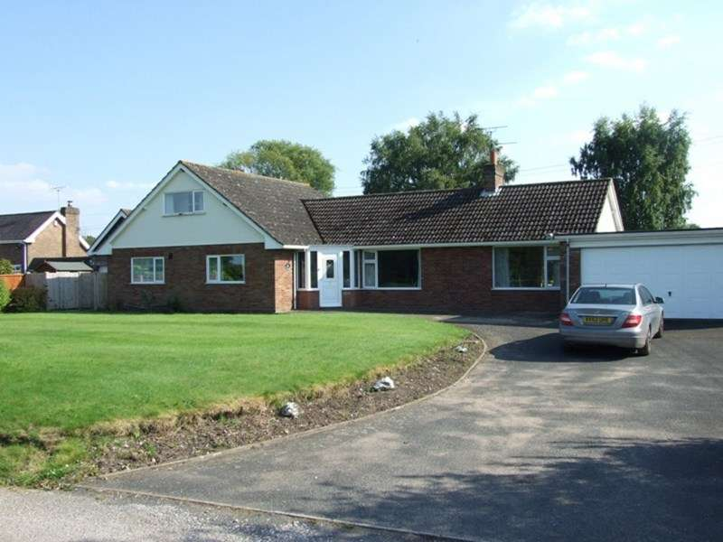 3 Bedrooms Detached Bungalow for sale in Chadwell