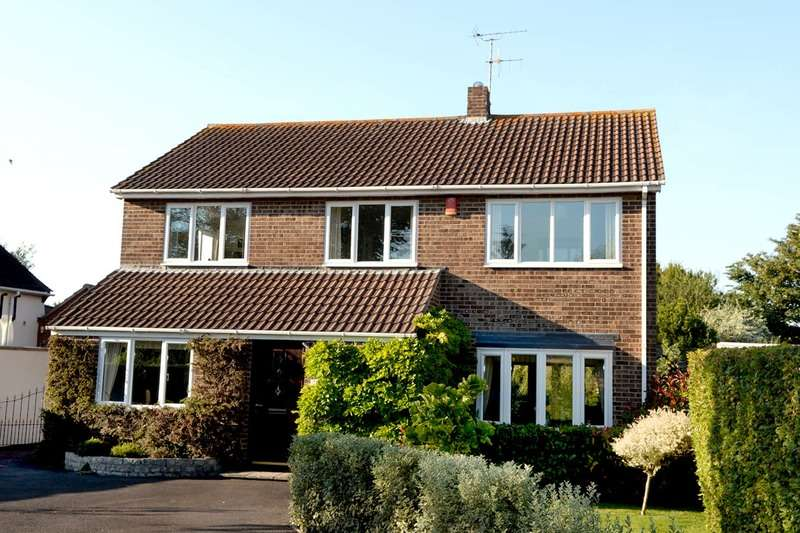 4 Bedrooms Detached House for sale in Brightstowe Road, Burnham-on-Sea, Somerset, TA8