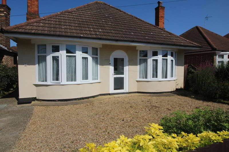 2 Bedrooms Detached Bungalow for sale in Chain Close, Peterborough, PE1 4EY