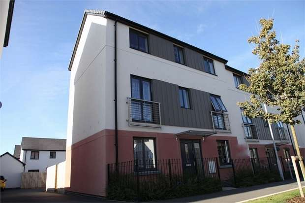 4 Bedrooms Semi Detached House for sale in Ashbrook Street, Plymouth, Devon