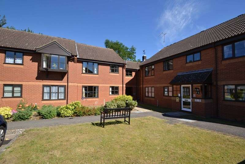2 Bedrooms Retirement Property for sale in Lucena Court, Stowmarket, IP14 1RN